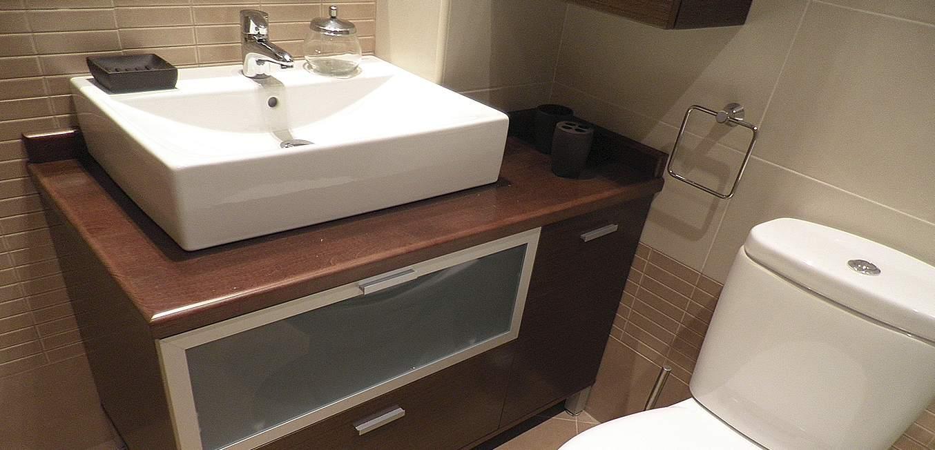 Diseño baño mueble de madera