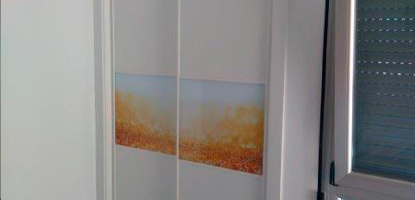Galeria – Armario corredero blanco con imagen personalizada